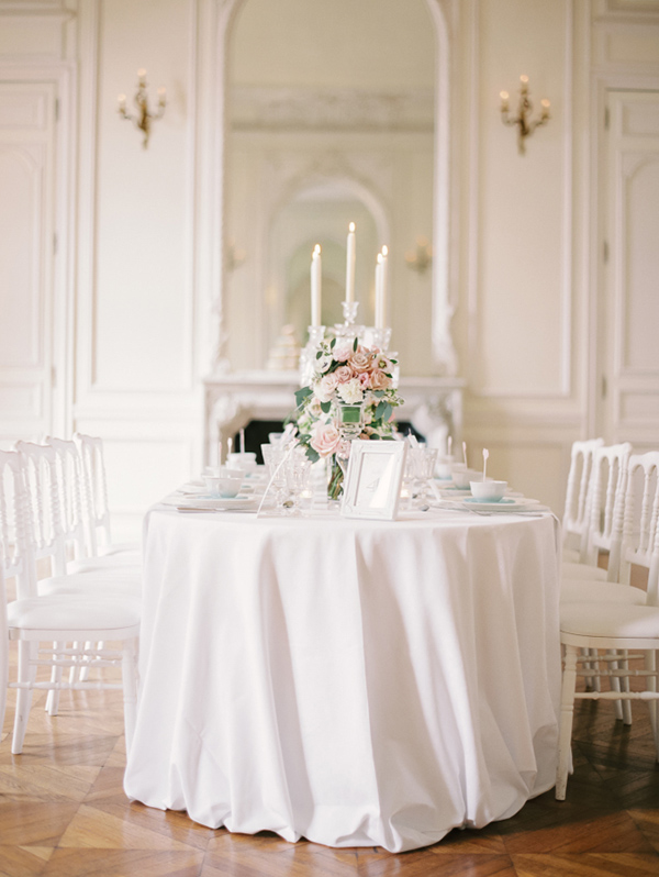 classic-white-wedding-reception-decoration-ideas